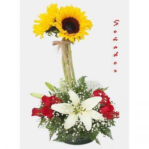 Arreglo Floral con rosas y girasoles